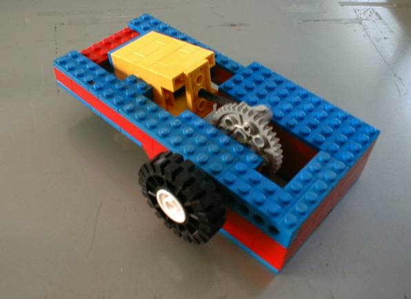 00-Single_acting_2x2_one_cylinder_lego_steam_engine