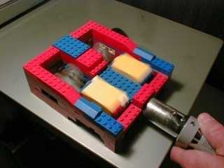 00-Two_cylinder_LEGO_engine_runs_on_vacuum